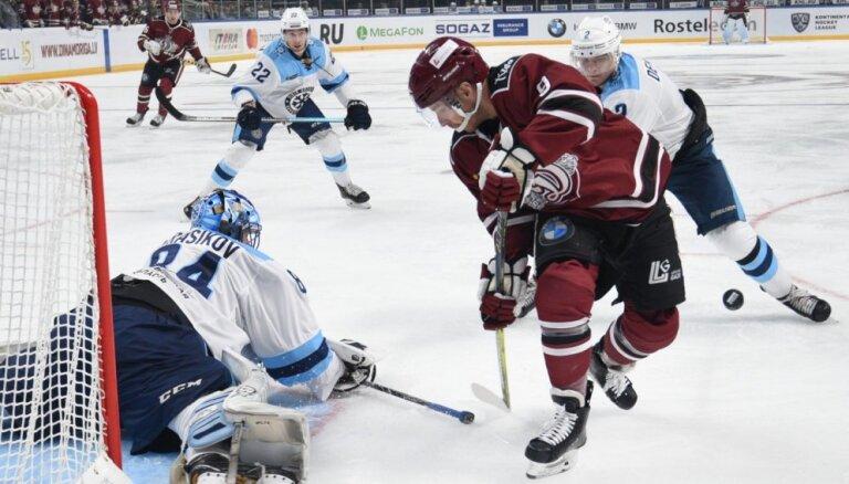 Katastrofāls otrais periods iegāž Rīgas 'Dinamo' spēlē pret Novosibirskas 'Sibirj'