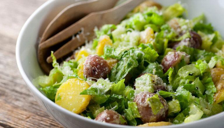Baudām jauno kartupeļu sezonu! Kārdinošas receptes vasarīgiem vēderpriekiem