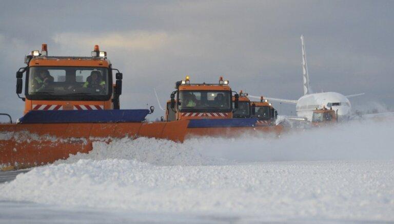 ЧП в Финляндии: после приземления со взлетно-посадочной полосы съехал самолет из Латвии