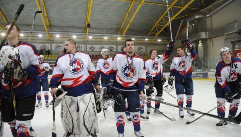 "'Liepājas metalurgs 2' hokejisti Latvijas čempionāta spēlē pieveic 'Rīga""/""Prizma 2'"