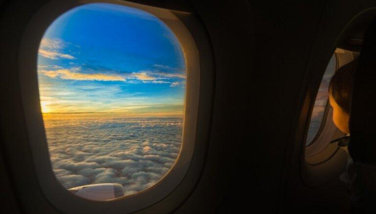 Худшие места в самолете (и как их избежать)