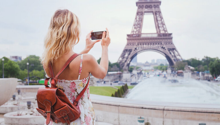 Эйфелеву башню больше нельзя фотографировать. Даже на смартфон!