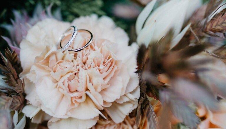 Laulības gredzenu gravējumu dažādais izpildījums: klasiskas un interesantas idejas