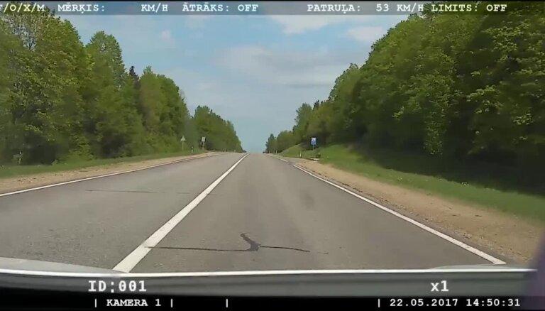 Riebiņu novadā aptur kārtējo pārgalvīgo ātrumpārkāpēju