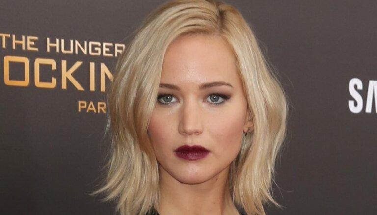 Дженнифер Лоуренс призвала Голливуд пересмотреть стандарты красоты