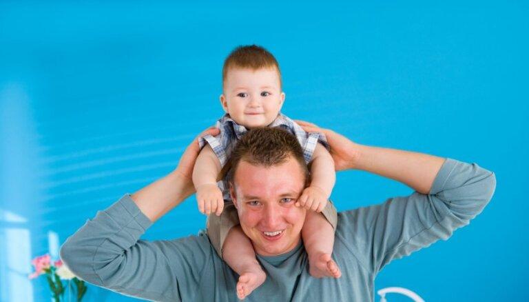 Psihoterapeiti un psihologi aicina pieteikties bezmaksas nodarbībām par tēva lomu ģimenē