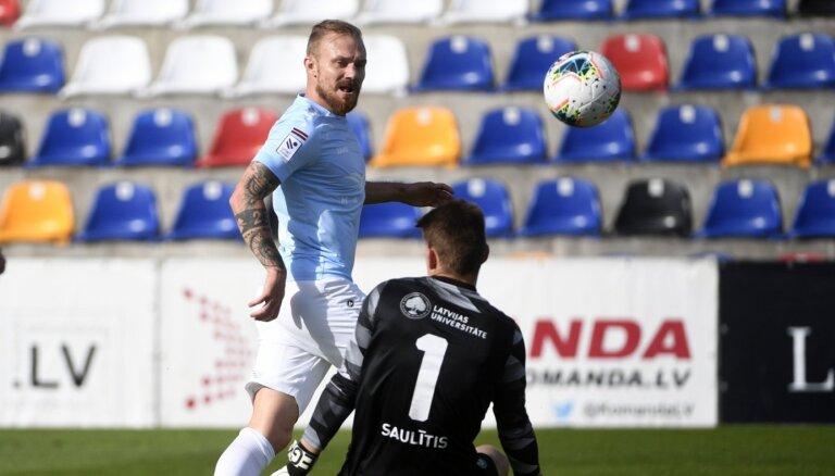 'Riga' FC neturpinās sadarbību ar Čehijas futbolistu Horu