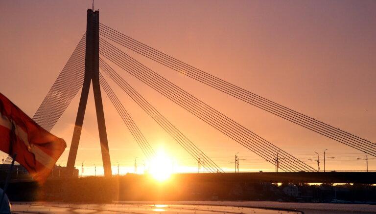 Полностью перекроют движение по Вантовому мосту