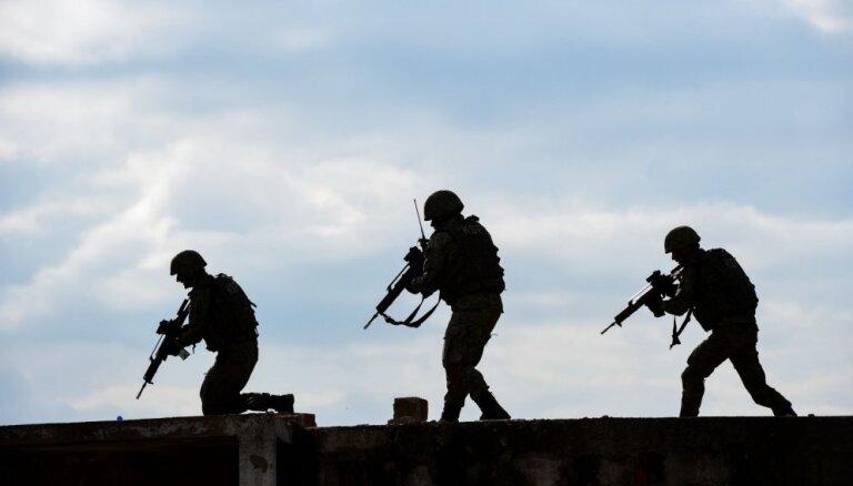 Исследование: жители массово не готовы защищать Латвию в случае нападения