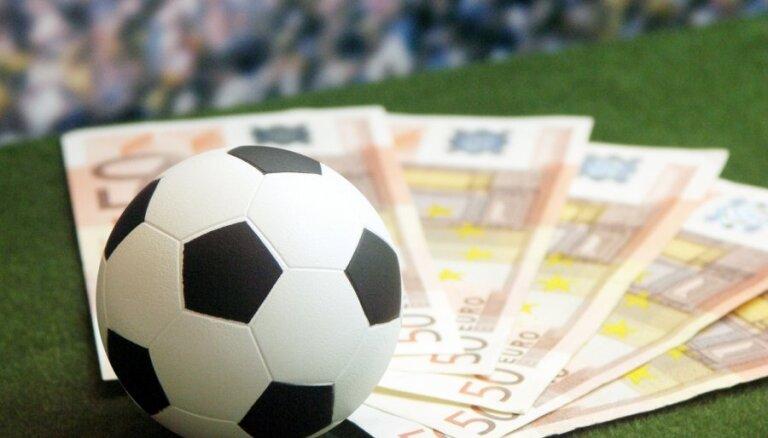 Futbola klubi pērn transfēros iztērējuši septiņus miljardus dolāru
