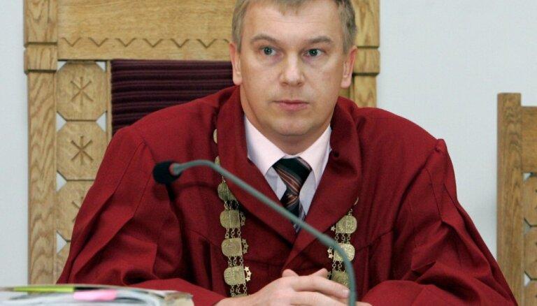 Pret bijušo AT tiesnesi Kušķi ierosināta lieta par valsts noslēpuma izpaušanu