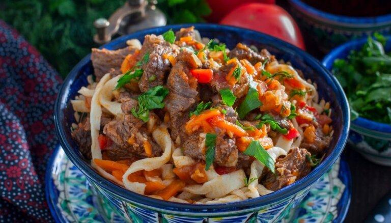 Lagmans soli pa solim: kā pagatavot sātīgu nūdeļu virumu uzbeku labākajās tradīcijās