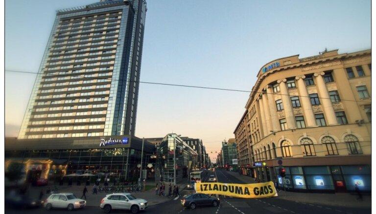 'Forum Cinemas': 'Izlaiduma gads' — spēcīgākais pretendents uz 2014. gada skatītāko Latvijas filmu