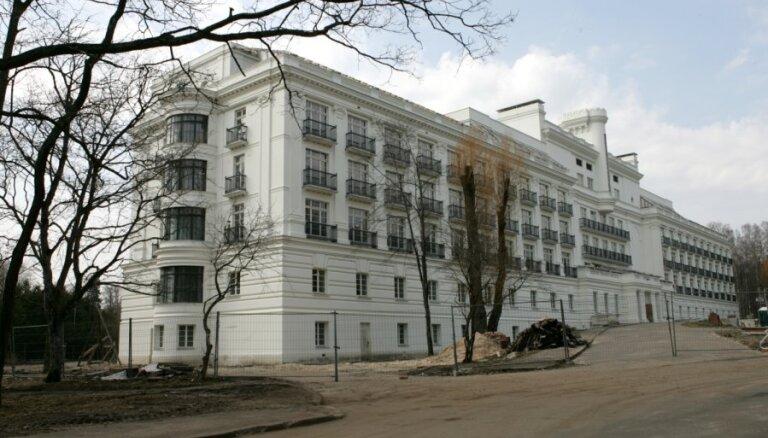 Мэр рассказал, когда россиянин и французы выведут из упадка юрмальский курорт