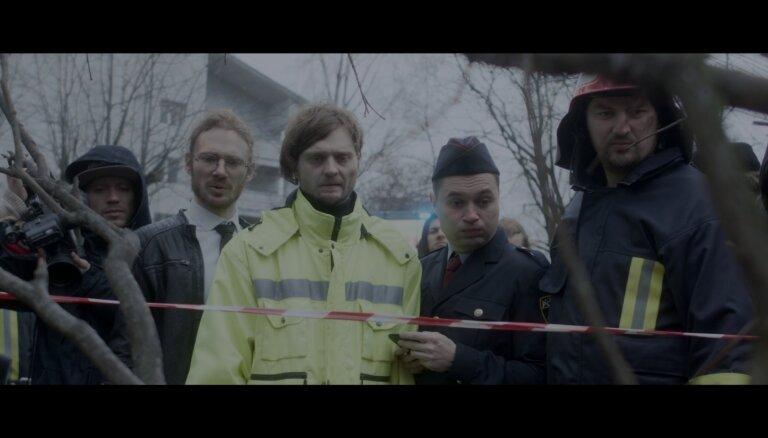 Noskaties! 'Laime pilnīga' jaunā klipā iejūtas speciālo dienestu darbinieku lomās