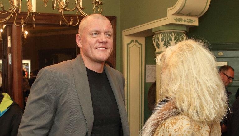 """ФОТО: Паулс, Бусулис и Камбала посетили премьеру кинофильма """"Homo novus"""""""