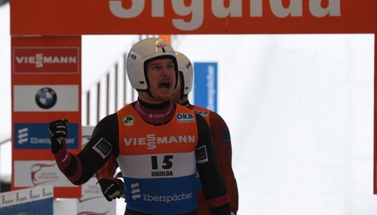 Kamaniņu braucēji Gudramovičs un Kalniņš izcīna otro vietu arī Siguldas Sprinta kausā