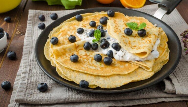 Brīvdienu rīta prieks - 17 smeķīgas pildīto pankūku receptes