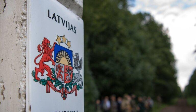 Uz Latvijas-Baltkrievijas robežas izveidojusies potenciāli dramatiska situācija, brīdina cilvēktiesību organizācijas