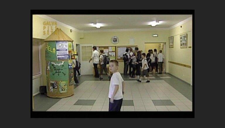 Rīgas Lietuviešu vidusskolai būs jauns futbola laukums