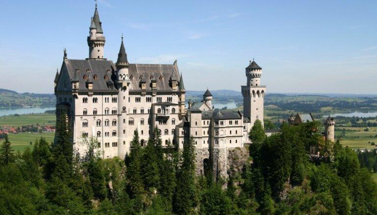 ФОТО: 13 чудесных замков, которые выглядят, как Хогвартс в реальной жизни