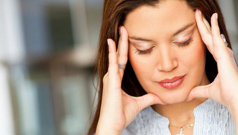 Kā palīdzēt līdzcilvēkam, kurš cieš no migrēnas?