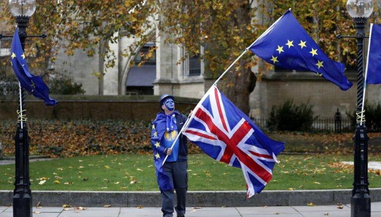 Lielbritānija ved sarunas par 'Brexit' atlikšanu
