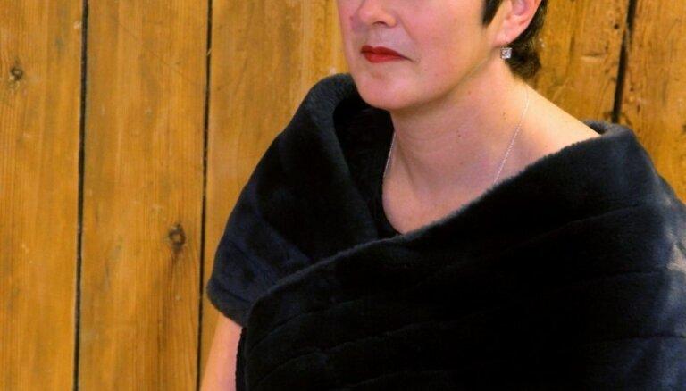 Labākais dzejas krājums: Ieva Rupenheite 'Nepāriet'