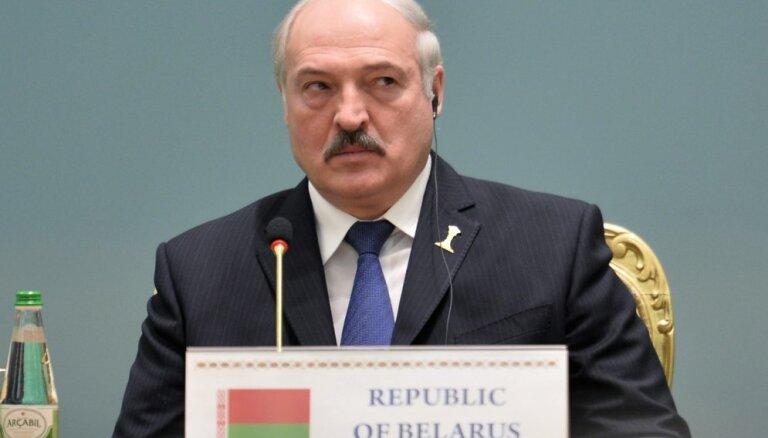 Лукашенко на неопределенное время отложил визит в Латвию
