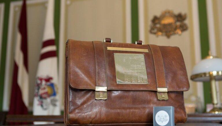 Budžeta nepieņemšana var apdraudēt 'naudas atmazgāšanas' novēršanas pasākumus