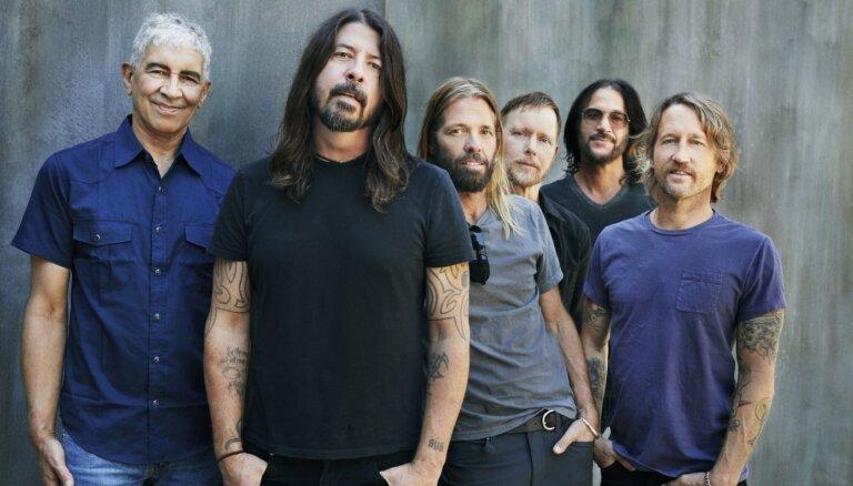 'Foo Fighters' izdod jaunu albumu 'Medicine At Midnight'