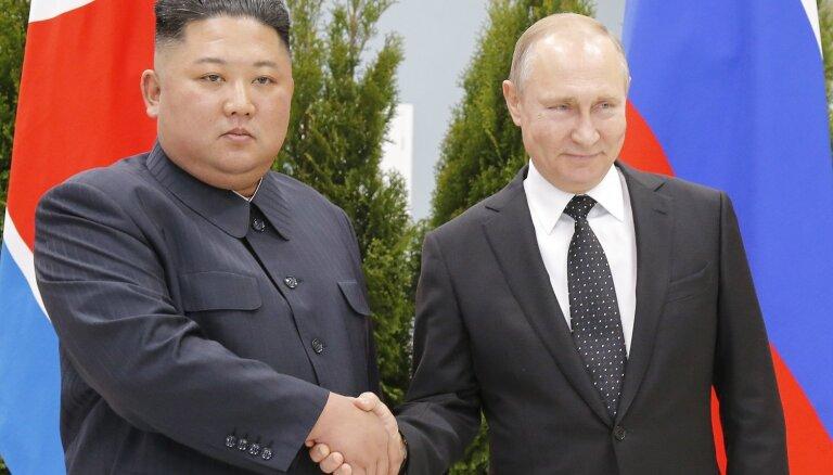 Kims un Putins cer attīstīt Krievijas-Ziemeļkorejas divpusējās attiecības