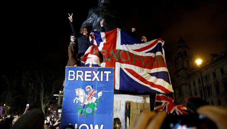 Снова жесткий Brexit. После бед от коронавируса Британию может ждать полный разрыв с ЕС