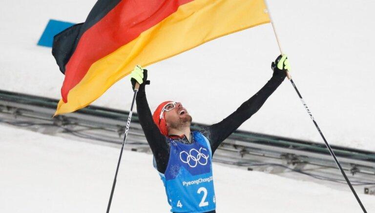 Vācija Phjončhanā izcīna 'hat trick' olimpiskajās sacensībās Ziemeļu divcīņā