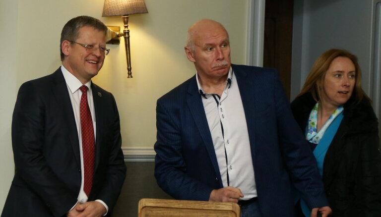 Белевич хочет взыскать с Апиниса 100 тысяч евро за оскорбление чести и достоинства