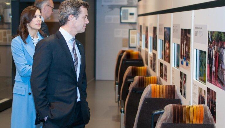 Foto: Aristokrāti, prezidenti un amatpersonas – ārvalstu viesi izstādē 'Latvijas gadsimts'
