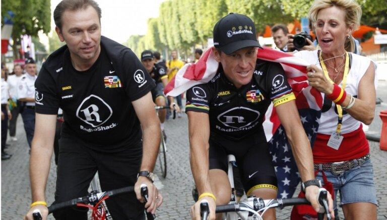 CAS Ārmstronga komandas menedžerim piespriedusi mūža diskvalifikāciju no riteņbraukšanas