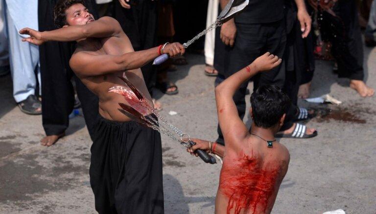 Foto: Šiīti sēro par Karbalas kaujā kritušajiem