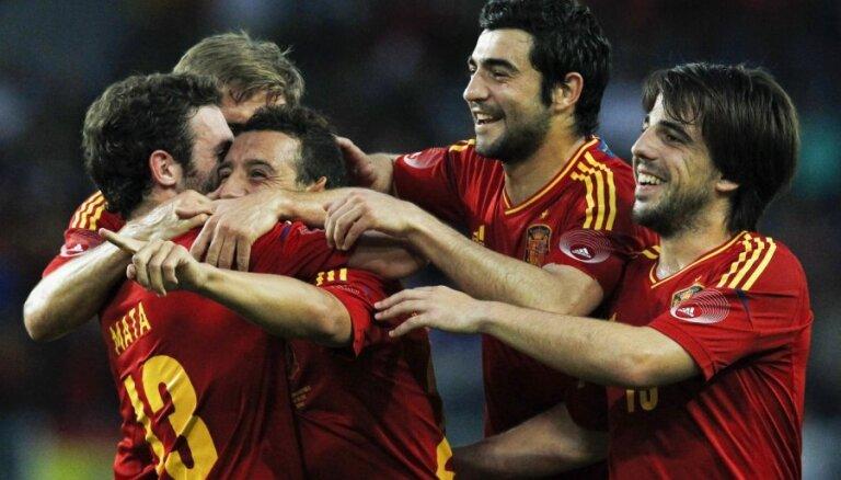 Испанцам в случае успеха выплатят по 720 тысяч евро: депутаты недовольны
