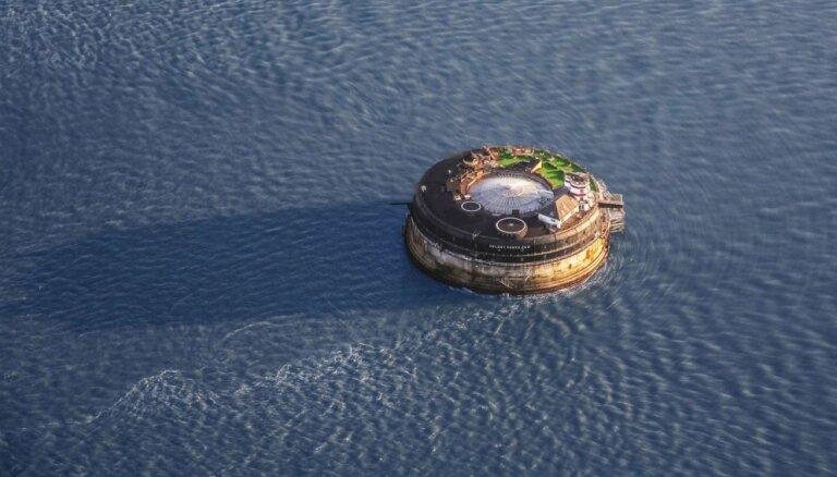 ФОТО: Старинный морской форт превратили в люксовый отель с ночным клубом и элитными бутиками