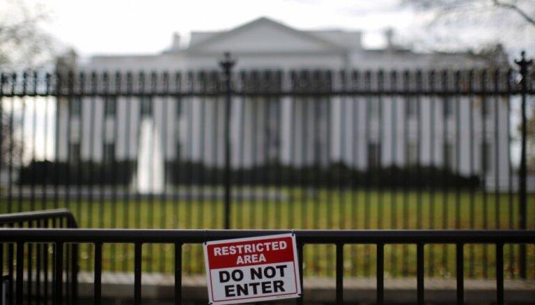 США приостановили выдачу некоторых категорий рабочих виз до конца года, возмутив IT-гигантов и Маска