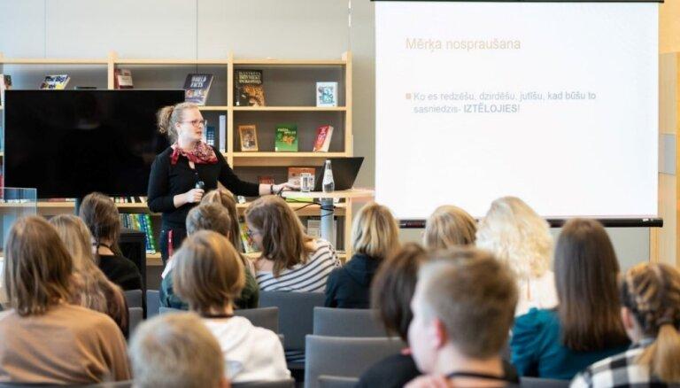 RSU sadarbībā ar LNB atsāk izglītojošo lekciju ciklu vidusskolēniem