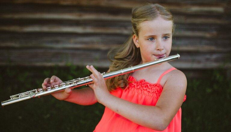 Lūdz sabiedrības atbalstu pacēlāja ierīkošanai 10 gadus vecajai gulbenietei Annijai