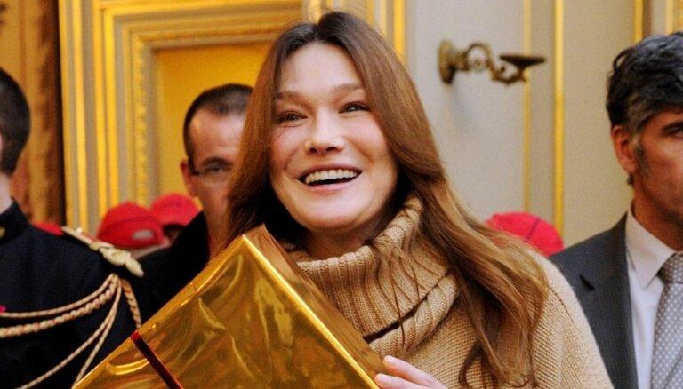 Карла Бруни заявила об отсутствии домогательств в мире высокой моды