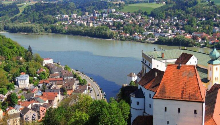 Vieta Vācijā, kur savijas trīs upes