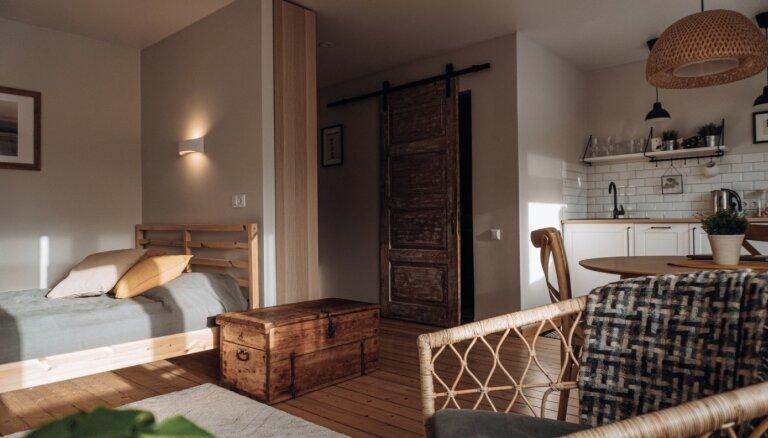 ФОТО. Уютная квартира в Балви, где вторую жизнь обрели множество старинных вещей