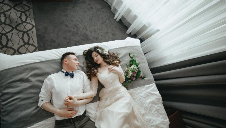 Pirmais sekss tikai pēc kāzām: gaidīt ko īpašu, nevis 'testēt' partnerus
