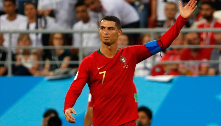 На чемпионате мира стартует плей-офф: Роналду против Уругвая, Месси — против Франции