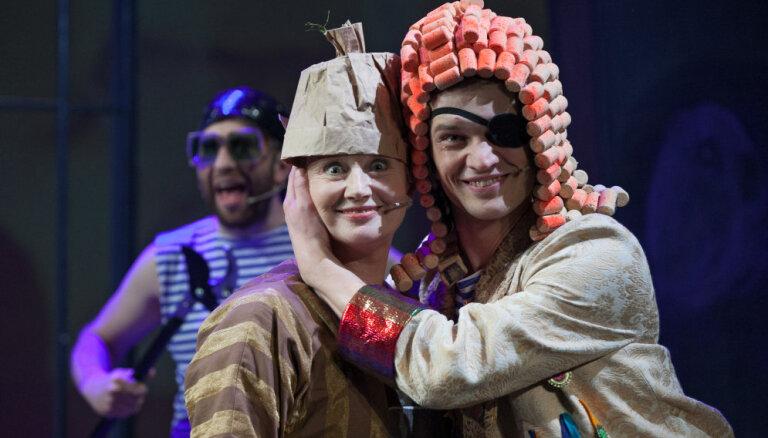 Foto: Ģirts Šolis debitē Liepājas teātrī ar izrādi 'Dželsomīno Melu zemē'