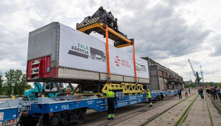 Sāk regulārus auto fūru pārvadājumus pa dzelzceļu